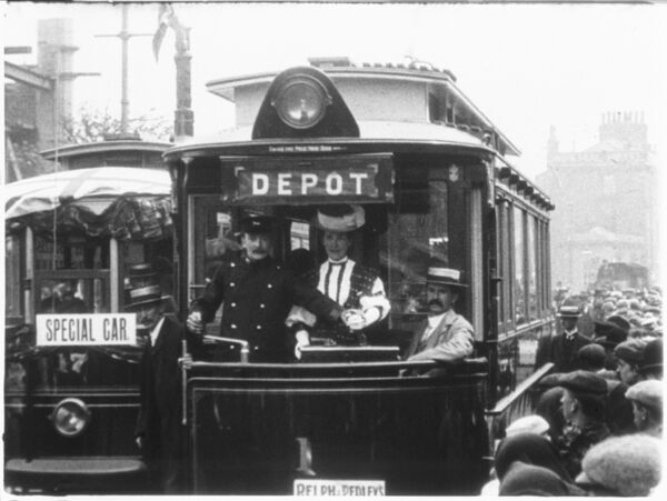 MITCHELL AND KENYON 181 ACCRINGTON TRAM OPENING. NO.1 1907