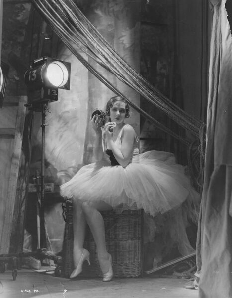 Dancer in The Good Companions (1933)