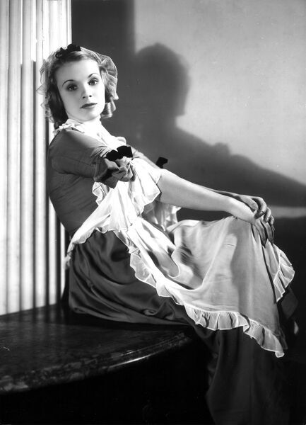Joan Gardner in The Scarlet Pimpernel (1935)