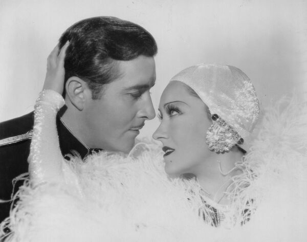 John Boles and Gloria Swanson in Music in the Air (1934)