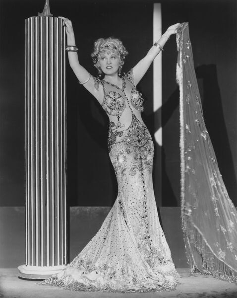 Mae West in Wesley Ruggles' I'm No Angel (1933)