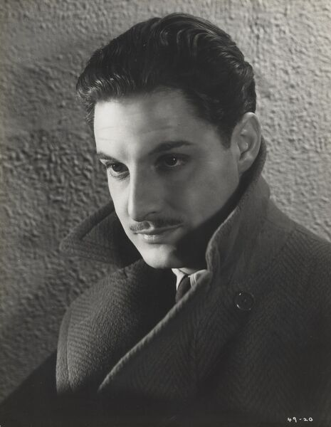 Robert Donat as Richard Hannay in The 39 Steps (1935)