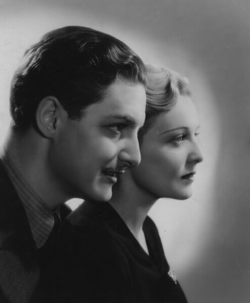 Robert Donat and Madeleine Carroll in The 39 Steps (1935)