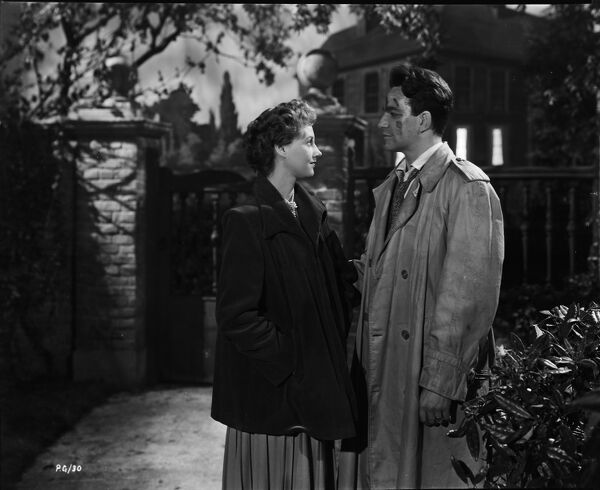 Rona Anderson and John Bentley in John Guillermin's Torment (1949)