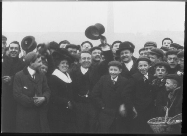 Rotherham Football Crowd, 1901
