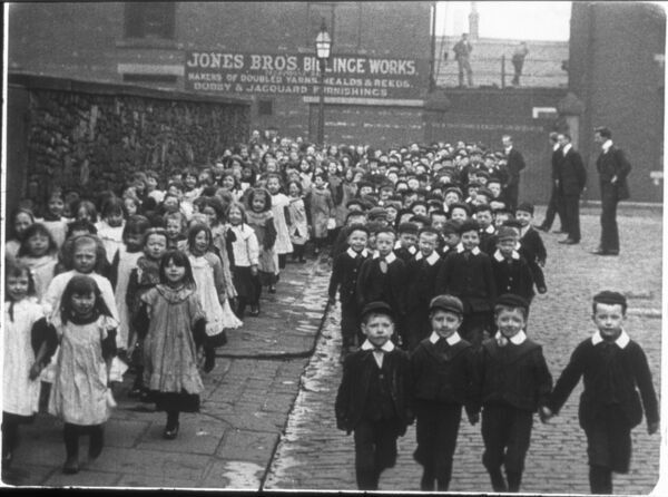 MITCHELL AND KENYON 269 ST JOSEPH'S & ST MATTHEW'S SCHOOL BLACKBURN 1905
