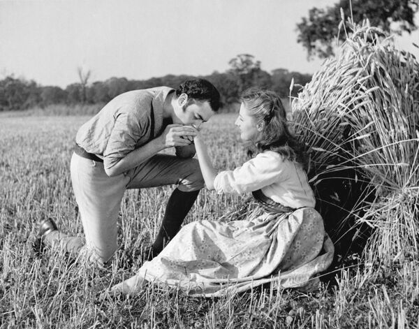 Terence Alexander and Sylvia Welling in Walter C Mycroft's Comin' Thro' the Rye (1947)