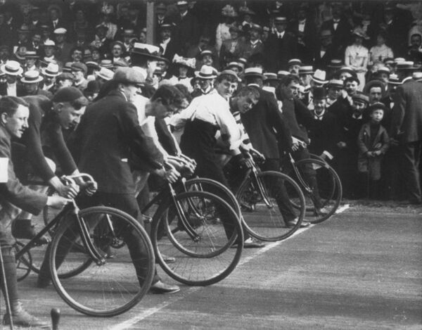 Trafalgar Day Cycle Race in Liverpool, 1901