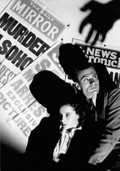 Vivien Leigh and Laurence Olivier in Basil Dean's 21 Days (AKA First and the Last) (1939)