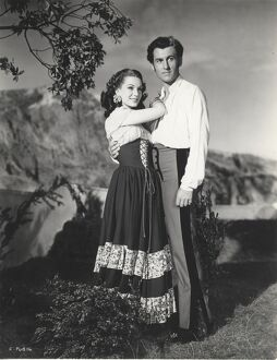Jean Kent and Stewart Granger in Arthur Crabtree's Caravan (1946)