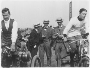 Race for the Muriatti Cup, 1901